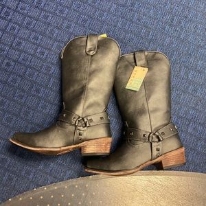 Grey Roper Boots Size 7